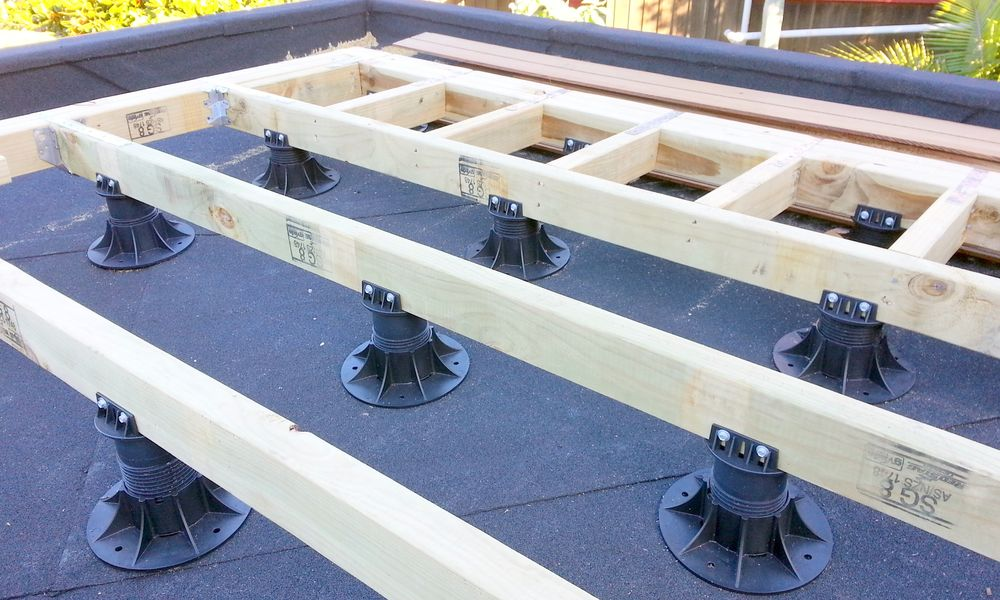Nurajack with timber heads supporting  joists.