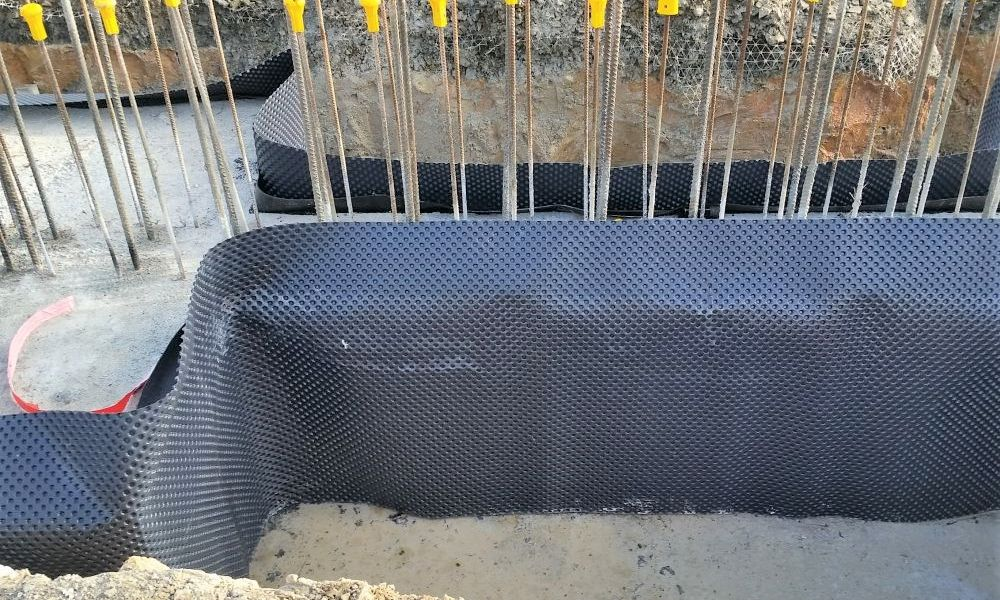 Showing Nuradrain in Wall Tanking job